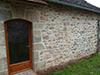 Sablage des vieilles pierres, et restauration complète des joints par piquetage et application d'un enduit de Chaux