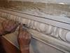 Restauration de patrimoine, par la réparation d'anciennes moulures grâce au mortier de Chaux