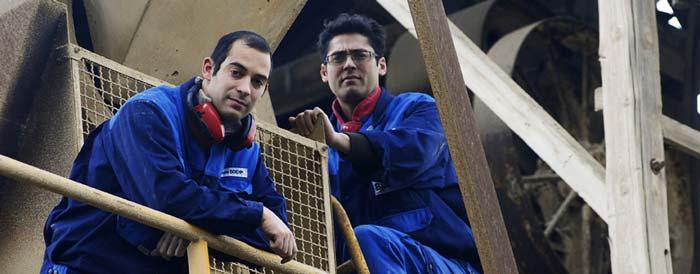 Les derniers chaufourniers de pères en fils de France, à gauche le benjamin Sylvain BOEHM, à droite Emmanuel BOEHM l'aîné