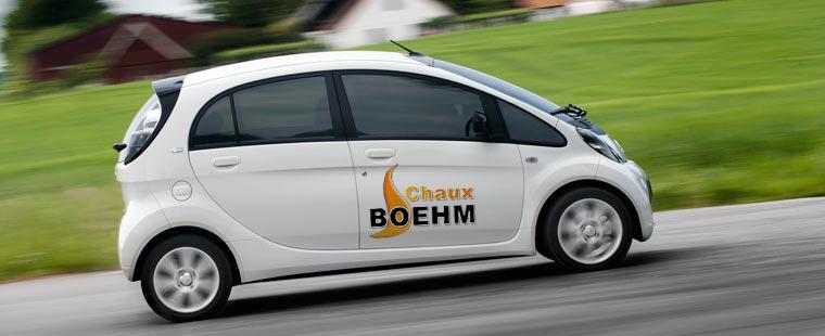 L'une de nos Citroën C-Zéro, propulsée par un moteur électrique d'une puissance de 49 kW (64 ch) alimenté par une batterie au lithium-ion d'une capacité de 16 kWh. L'autonomie est d'environ 100 km.