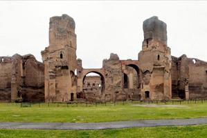 Les Thermes colossaux de Caracalla à Rome érigés au 2ème siècle, la Chaux permis de rendre possible ce complexe, nécessitant une excellente régulation de l'humidité et une résistance à l'eau
