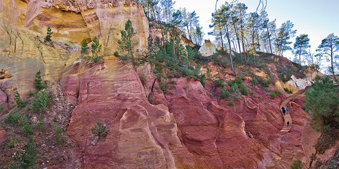Le Sentier d'Ocres dans le Roussillon (France), la majorité de nos pigments sont des terres naturelles